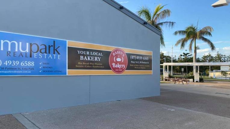 Bassy's Bakery Signage
